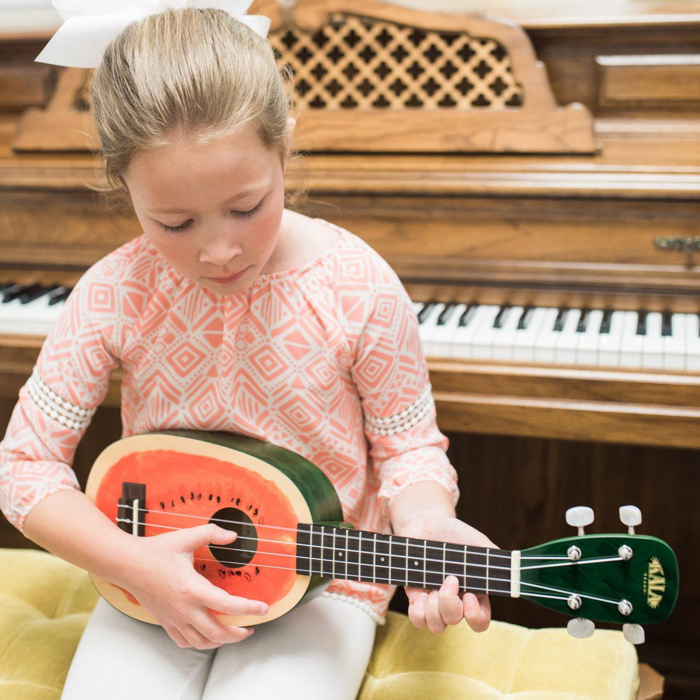 Guitar, Ukulele & Banjo