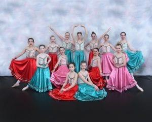 Dancers posing 2