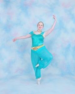 dancer in arabian costume